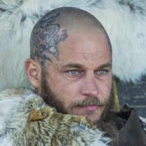 Ragnar Lothbrok geschoren hoofd