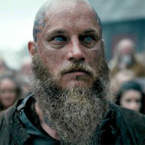 Ragnar Lothbrok geschoren hoofd en baard