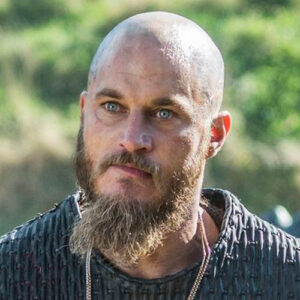 Ragnar Lothbrok kapsel kaal hoofd en baarden