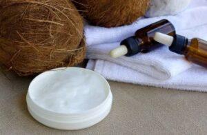 Hoe werkt kokosnootolie op een baard