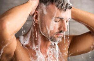 Wat veroorzaakt droge huid onder de baard - Te vaak wassen van de baard
